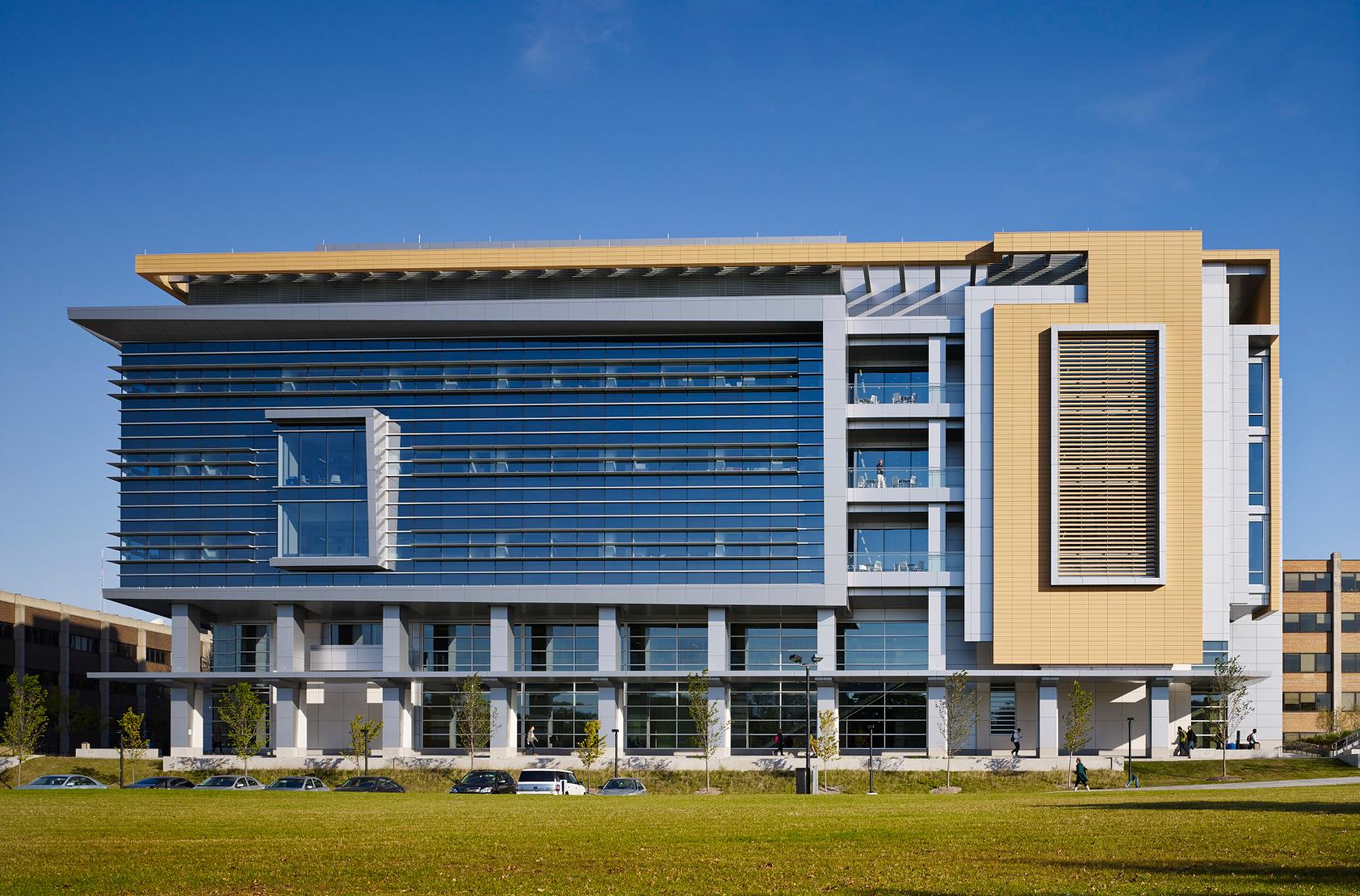 University of Wisconsin - Milwaukee - Kenwood Interdisciplinary Research Complex