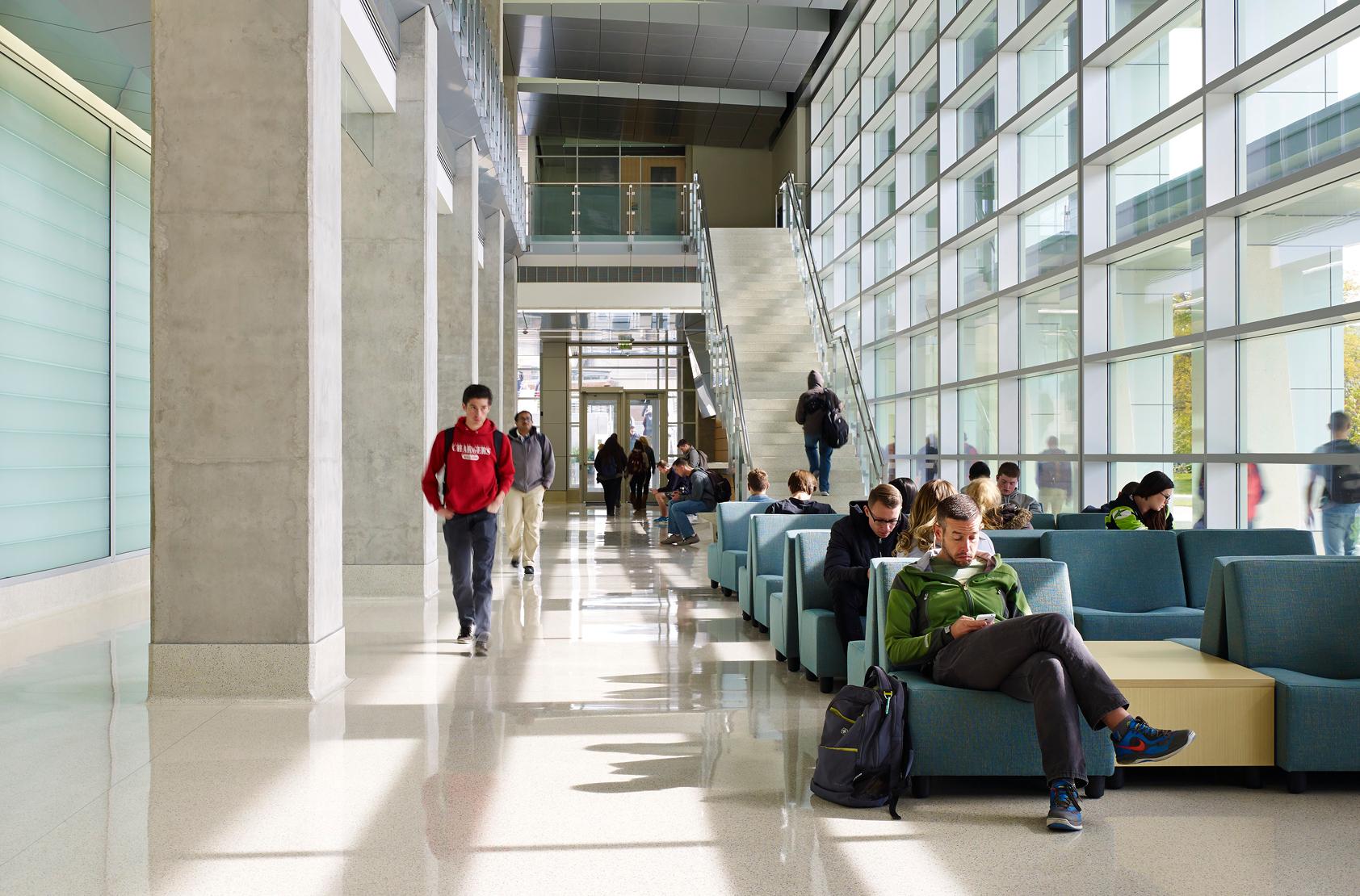 University of Wisconsin - Milwaukee - Kenwood Interdisciplinary Research Center